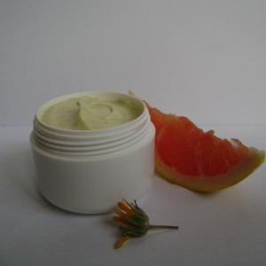 Crema nutritiva pentru maini cu galbenele si lamaie