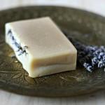Sapun natural cu unt de shea, lapte de capra, tea tree si lavanda2